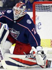 Бобровского отстранили на один матч NHL за принятый душ