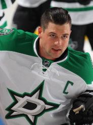 Арбитр НХЛ отправил игрока в нокдаун